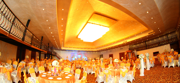 Dhanamuthu hotel banquets negombo sri lanka with masterfully crafted interiors and themes will make opulent ambience for your wedding junglespirit Gallery